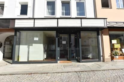 """Geschäftslokal mit Auslagenfläche am Gmundner """"Marktplatz"""""""