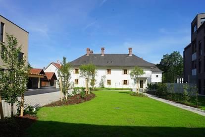 Modern trifft auf Historisch - BALKON  und LIFT - TOP 8 im Herrenhaus