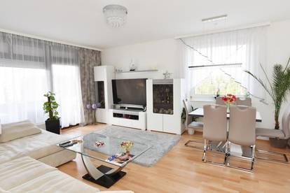 Schön sanierte Wohnung mit Tiefgaragenplatz