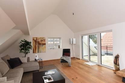 Dachgeschoss-Wohnung mit viel Charme !