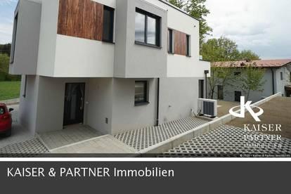 Exklusive Doppelvilla mit außergewöhnliche Architektur, modernes Design, hochwertige Ausführung!