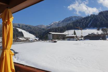 Fieberbrunn/Tirol - Exklusive 4 Zimmer Dachgeschoß-Wohnung mit traumhaftem Bergblick - Nur 350 m bis zu den Bergbahnen Fieberbrunn