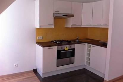 PROVISONSFREI: DG:1-Zimmer Wohnung zu vermieten
