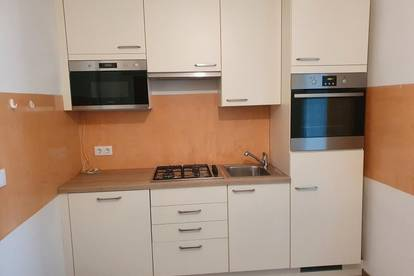 Provisionsfrei: 1 Zimmer Wohnung in Laxenburg!!