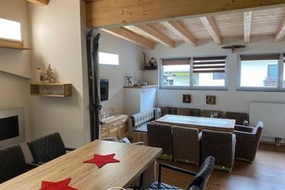 Saalbach-Hinterglemm: Dachgeschoßwohnung, 5 Schlafzimmer, 125,48m², renoviert, möbliert, 2 Balkone, touristisch vermietbar, Parkplatz, top Lage , 11 Betten !!