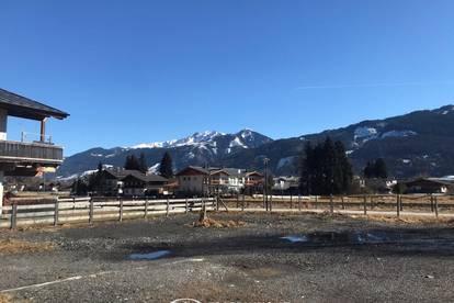 Zell am See / Schüttdorf: sonniges Grundstück in zentraler Lage zur Garten oder Lager Nutzung zu vermieten..