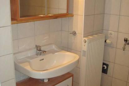 3 Zimmer- Miet-Wohnung im Erdgeschoss mit überdachter Terrasse