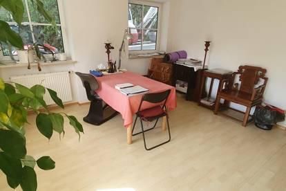 Eine Terrasse für die Gemütlichkeit - heimelige 3 Zimmer Wohnung mit dem gewissen Etwas.
