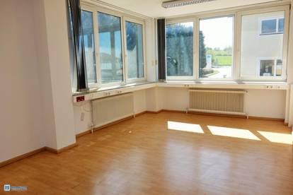 Attraktive Büroflächen - auch ideal für eine Praxisgemeinschaft in zentraler Lage von Eugendorf
