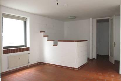 geräumige Wohnung mit zwei Schlafzimmer (provisionsfrei!)