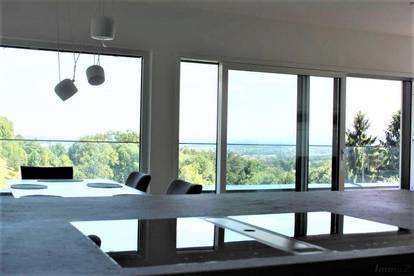 Graz - Gedersberg: Moderne Architektenvilla in erhöhter Aussichtslage mit Pool