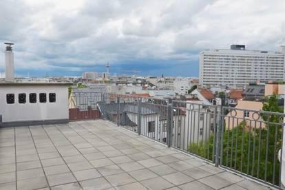 Stilvolle Wohnung mit Terrasse und herrlichem Parkblick - Miete 1030