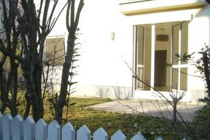 ERSTBEZUG 3 Zimmer Wohnung mit EIGENGARTEN,Terrasse und überdachter PKW-Stellplatz in Bruck/Leitha