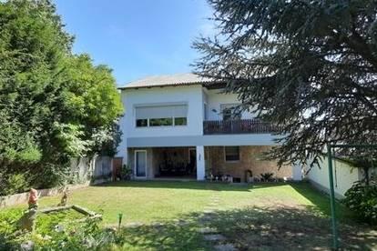 Glücksfaktor EIGENHEIM, Zweifamilien Haus, ein Generationenhaus, Garten, ruhige Lage in Bruck/L