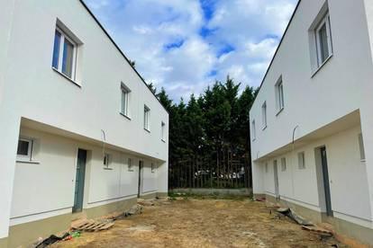 Traumhaftes Doppelhaus Nähe Gerasdorf bei Wien + Eigengarten und mit exklusiver Ausstattung!