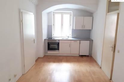 CHARMANTER ALTBAU in der Innenstadt: 2 Zimmer-Wohnung Franziskanergasse 4, Top 2