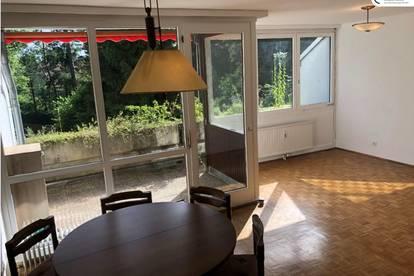 Mitten im Grünen, sonnendurchflutet und in Bestlage: Großzügige 2- bis 3-Zimmer-Wohnung mit Wohlfühlterrasse in Mariagrün, optionaler TG-Platz