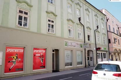Gemütliche Altbau-Wohnung in historischem Gebäude - Wiener Straße 2 - Top 3