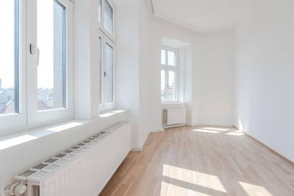 ++WG-geeignet++ Sanierte 4-Zimmer + getrennte Küche Altbauwohnung, dirket am Brunnenmarkt!