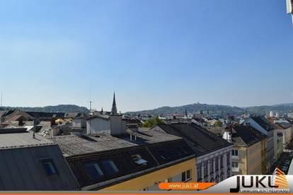 Linz/Stadt: Dachgeschosswohnung mit herrlichem Fernblick in der Schubertstraße