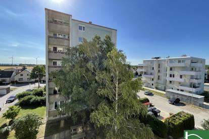 3-Zimmer + extra Küche ! Hier finden Sie eine charmante, möblierte ca. 75qm große Wohnung! BESICHTIGUNGEN JEDERZEIT MÖGLICH!