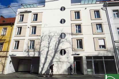 In zentraler Innenstadtlage (Körösistraße) gelangt dieses Geschäftslokal mit Baujahr 2019 zum Verkauf.