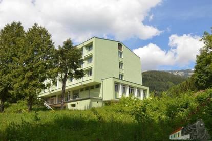 Hotel - Pension - Kuranstalt - Asylantenheim mit Raxblick_TEILSANIERT