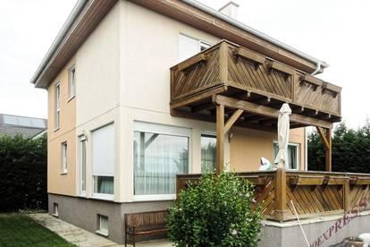 Tolles Einfamilienhaus in uneinsehbarer, ruhiger Siedlungslage mit schönem grünen Garten – nahe Bahnhof Theresienfeld!