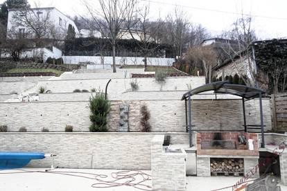 Große Villa bietet auf 3 Ebenen 300m² und herrliche Terrassenanlage_auch für Investoren!