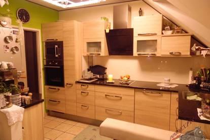 Nähe Wr. Neustadt hochwertig ausgestattete 3 Zimmer Balkon Parklplatz Grünruhelage