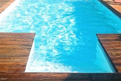 Toller Bungalow mit Pool wartet auf Sie – Koffer packen und einziehen!