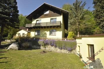 Schönes Ein- oder Zweifamilienhaus in Rotheau