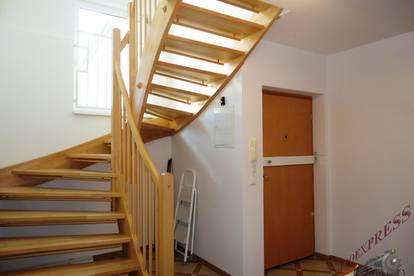 Moderne Maisonette-Wohnung sucht kleine Familie - inkl. Dachterrasse und Garage!