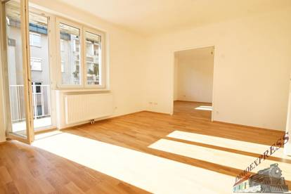 ERSTBEZUG: zentral begehbare 4 Zimmerwohnung mit Balkon!