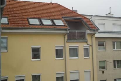 Sie suchen eine moderne Maisonette-Wohnung? - inkl. Dachterrasse und Garage!