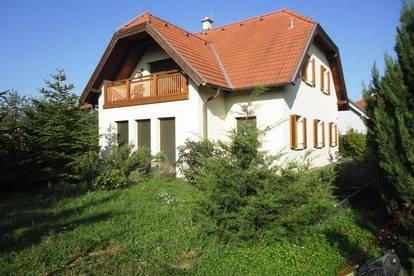 Großzügiges Einfamilienhaus in ruhiger Siedlungslage - nur 8km nach Baden!