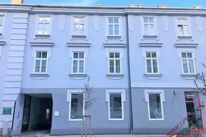 Kleines Büro/Wohnung mit Carport