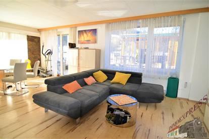 Vermietetes Anlageobjekt - 3 große Wohnungen - Dachterrasse - Wellnessbereich