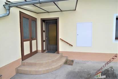 ! ! ! Renovierte Wohnung - Garten - Garage - Innenhof ! ! !