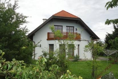 Tolles Einfamilienhaus auf 950m² Grund, ruhig gelegen - nur 20min nach Wien!