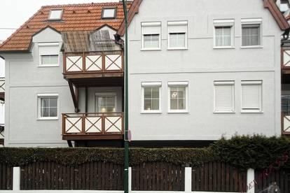 Moderne und toll eingerichtete 2-Zimmer Wohnung mit Balkon und Garage wartet - bezugsfertig!