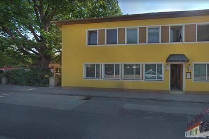 Mehrparteienhaus - Ehemaliges Gasthaus mit 3 Wohneinheiten zzgl. Loggia und großer Terrasse sowie schönem Gastgarten und Parkplatz