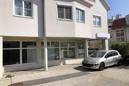 Kottingbrunn – Ortszentrum! Unmöbliertes Portal-Geschäftslokal/Büro/Ordination in Frequenzlage