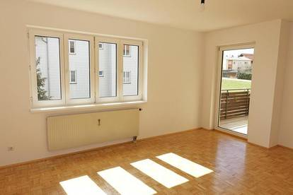 *3 MONATE MIETFREI* Schöne 3-Zimmer Wohnung in Alberndorf - neu renoviert
