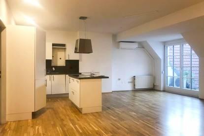 Graz Altstadt: Penthouse mit Schloßbergblick