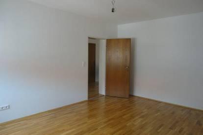 Innsbruck-Wilten: helle 3,5 Zimmer Wohnung mit zwei Balkone