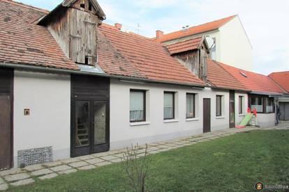 Nähe Baden: Streckhof mit zwei Wohneinheiten u. großem Garten zu verkaufen!