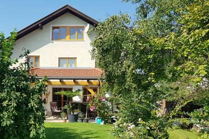 Interessantes Haus mit großem Garten