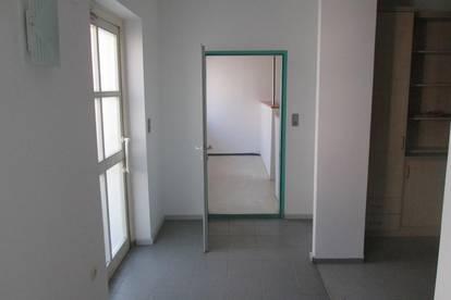 Jennersdorf: Provisionsfreie Wohnung, Erdgeschoß