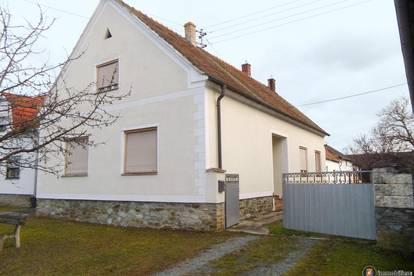 Bauernhaus mit Stadl und Nebenräumen